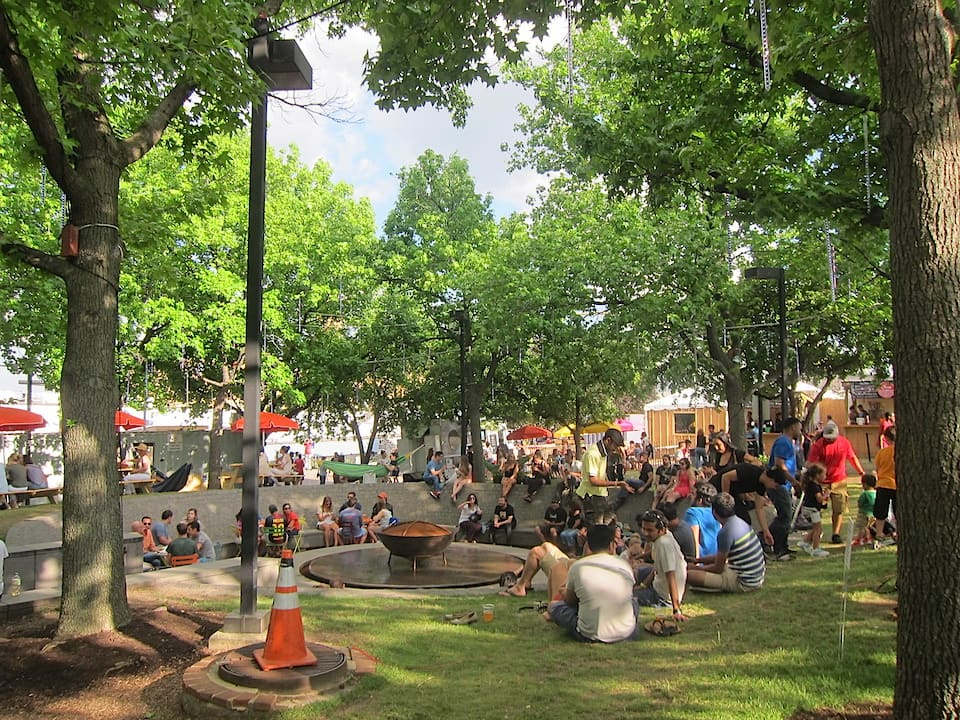 Spruce Street Harbor Park, Philadelphia